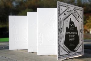 Pile Poil! - livre accordéon en relief